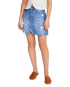Free People - Hallie Distressed Denim Mini Skirt in Washed Denim