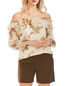 VINCE CAMUTO - Off-the-Shoulder Paisley Top