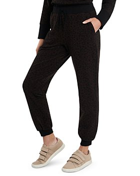 VINCE CAMUTO - Cozy Animal Print Sweatpants