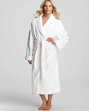 e177e40ee8 Luxury bathrobes. Wrap yourself in plush cotton. Charisma