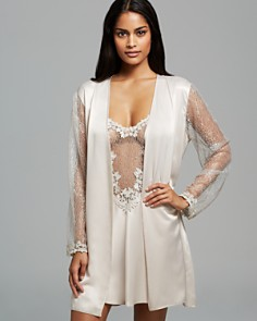 Flora Nikrooz Showstopper Cover-Up Robe & Chemise - Bloomingdale's_0
