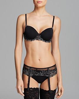 Simone Perele - Délice 3D Molded T-Shirt Bra, Thong & Suspender Belt