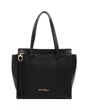 Salvatore Ferragamo - Amy Medium Leather Shoulder Bag