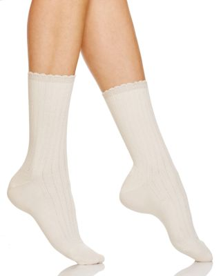 HUE Womens Scalloped Pointelle Sock