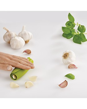 Joseph Joseph - Scroll Garlic Peeler