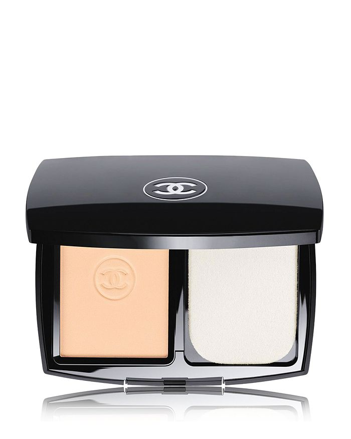 CHANEL - LE TEINT ULTRA TENUE Ultrawear Flawless Compact Foundation Broad Spectrum SPF 15 Sunscreen