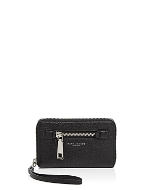 marc jacobs female marc jacobs gotham city wingman zip smartphone wristlet