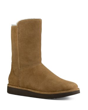 Ugg Abree ll Short Suede and Sheepskin Boots