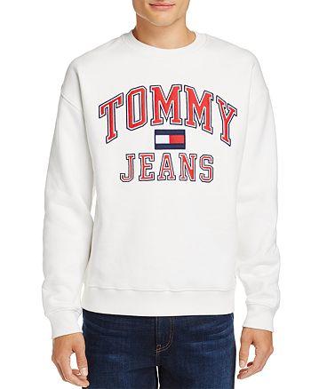 fa0b5a07ff3d Tommy Hilfiger Tommy Jeans 90 s White Flag Logo Crewneck Sweatshirt ...