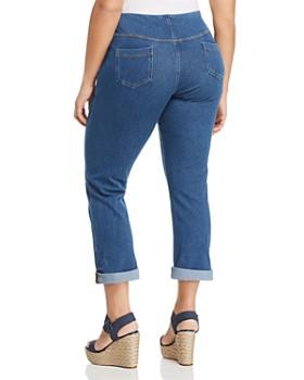 Lyssé Plus - Pull-On Boyfriend Jeans in Mid Wash
