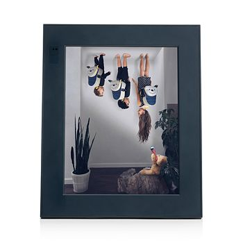 Aura - Modern Digital Picture Frame