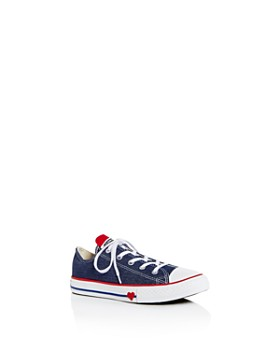 c1d8620d01e3 Converse - Unisex Heart Chuck Taylor Low-Top Sneakers - Toddler