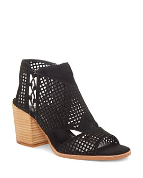 4a77fd98635 VINCE CAMUTO - Women s Kampbell Mesh Block Heel Sandals ...