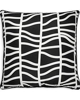 """Ren-Wil - Fieldfare Outdoor Pillow, 22"""" x 22"""""""
