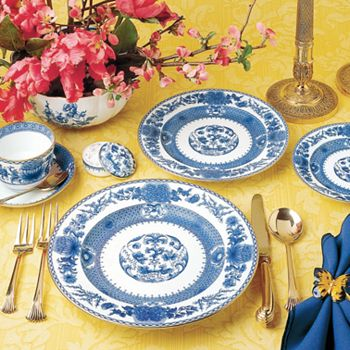 "Mottahedeh - ""Imperial Blue"" Dinner Plate"