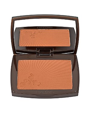 What It Is: This sheer silky-light powder delivers a natural sun-kissed glow in any season. What It\\\'S For: All skin types. What It Does: Exceptional light-reflecting pigments ensure a radiant, tanned makeup result. Smooth and comfortable texture blends effortlessly and evenly into the skin. Skin feels silky soft and even toned. Result: Radiant, yet natural-looking, for a bronzed complexion that stays fresh and color-true throughout the day. Non-acnegenic Non-comedogenic Allergy-tested for safety