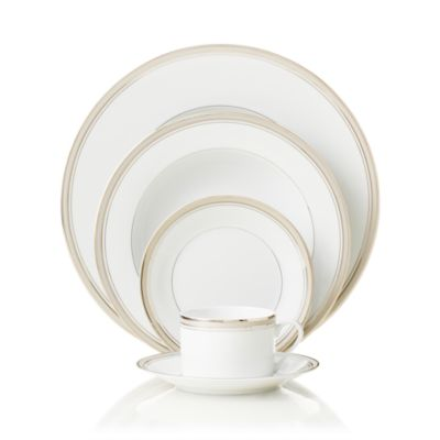 """""""Excellence Grey"""" Gourmet Plate"""