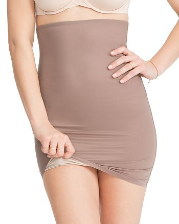 9b89075433 SPANX reg  - Two-Timing Reversible Half Slip