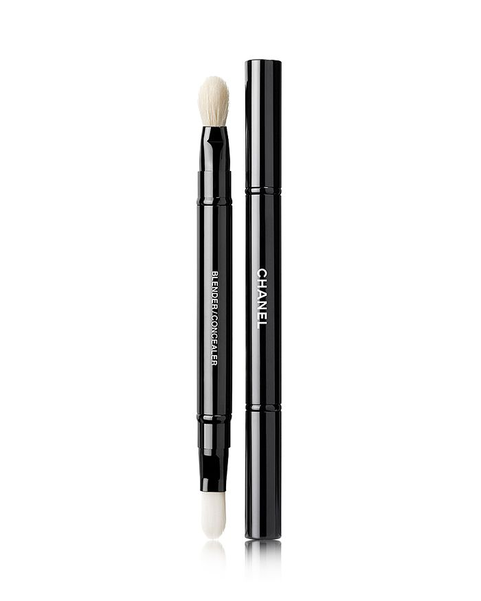 CHANEL - LES PINCEAUX DE  Retractable Dual-Tip Concealer Brush