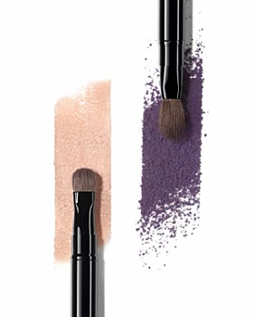 CHANEL - Retractable Dual-Tip Eyeshadow Brush