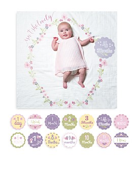 Lulujo - Isn't She Lovely Baby Blanket & Age Cards Set