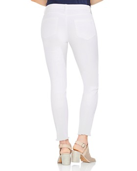 VINCE CAMUTO - Frayed Skinny Jeans in Ultra White