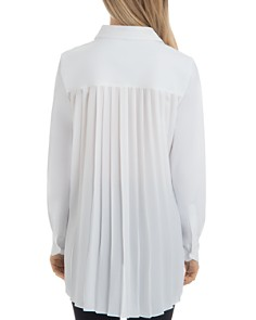 Lyssé - Reese Pleat-Back Tunic Top