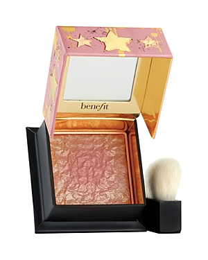 What It Is: Strike it rich with Gold Rush Blush! Benefit\'s Gold Rush Blush has a custom golden nugget design and overspray that gradually lifts away to reveal a rich golden-nectar shade infused with delicate, golden flecks. What It Does: Sweep on this golden-nectar blush for a rush of gilt-y pleasure! The universally flattering peach color is buildable, blendable and adds a touch of luxe to every look! Features a signature golden glamber scent with notes of citrus, vanilla & sandalwood. - Powder