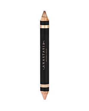 What It Is: A cream-to-powder pencil with shimmer and matte formulas that may be worn separate or together. Ingredients: - Matte: Isodecyl Isononanoate, Hydrogenated Coco-Glycerides, Euphorbia Cerifera (Candelilla) Wax/Cire de Candelilla/Candellila Cera, Microcrystalline Wax/Cire Microcristalline/Cera Microcristallina, Mica, Polymethyl Methacrylate, Copernicia Cerifera (Carnauba) Wax/Cire de Carnauba/Cera Carnauba, Disteardimonium Hectorite, Propylene Carbonate, Methylparaben, Propylparaben, Toc
