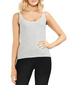 VINCE CAMUTO - Scoop-Neck Tank