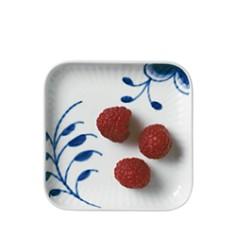 Royal Copenhagen - Blue Fluted Mega Small Square Plate