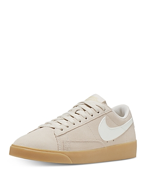 Nike Women\'s Blazer Low Top Sneakers