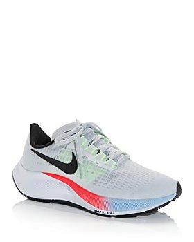 Nike - Women's Air Zoom Pegasus Low Top Sneakers