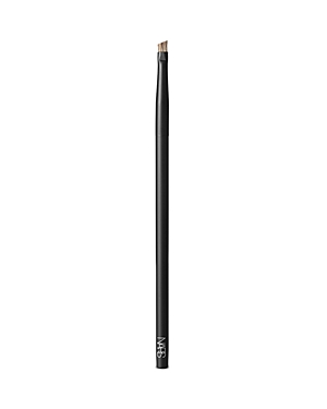 What It Is: An angled brow brush designed for ultimate eyebrow grooming. Defines and fills in sparse brows by depositing powder with a precise, hair-like effect. Never lose your touch. Perfect your form with a new lineup of makeup brushes designed for ultimate artistry. High precision. High quality. The highest performance. Expertly shaped from durable synthetic fibers, each brush was customized for use with all of Francois Nars\\\' signature techniques. Hypoallergenic fibers lend themselves to sim
