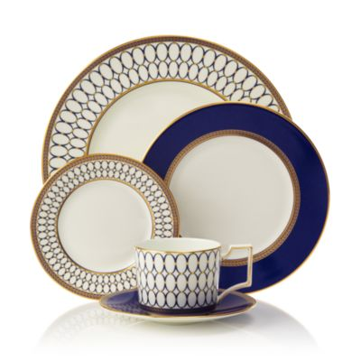 Set of 4 Wedgwood Renaissance Gold Accent Plates