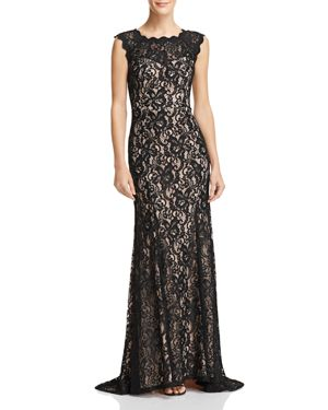 DECODE 1.8 Scalloped Lace Gown in Black/Nude