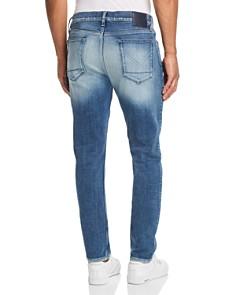 Hudson - Blake Straight Slim Fit Jeans in Navarro