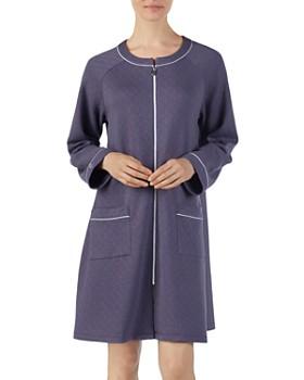 Eileen West - Short Matelasse Zip Robe
